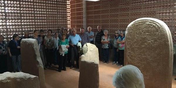 Projecte Territori de Valor: Les Associacions de Dones de Preixens, Pradell i Ventoses visiten l'Espai Transmissor del Túmul de Seró
